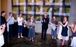 Galerie de photos : Fresque - femmes regardant à gauche