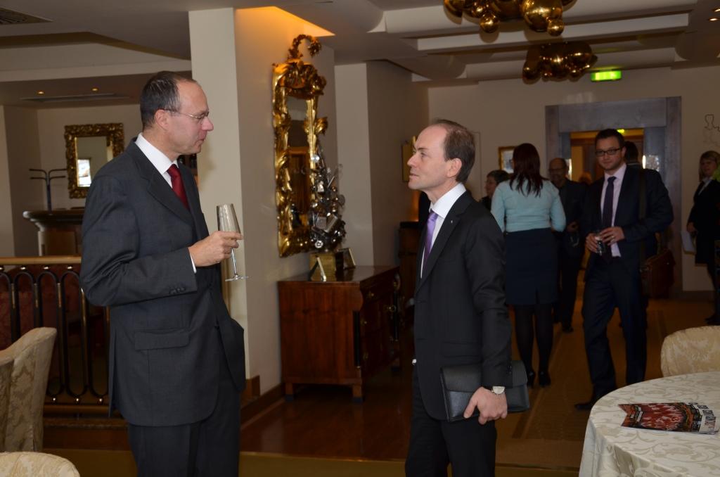 Galerie de photos : Déjeuner-débat avec M. Jean-Pierre Asvazadourian, Ambassadeur de France en République tcheque