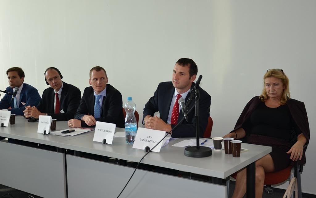Galerie de photos : Quo Vadis: Dopady ukončení intervencí ČNB na český průmysl a vývoz