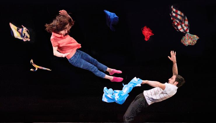 Letní Letná, spectacle du nouveau cirque